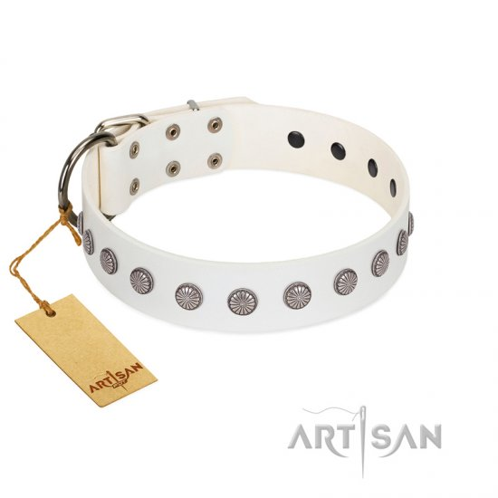 """Flower Boom"" FDT Artisan White Leather Bullmastiff Collar"