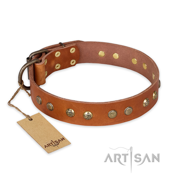 Easy adjustable natural genuine leather dog collar with corrosion resistant hardware