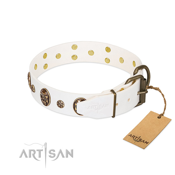 Strong D-ring on genuine leather dog collar for your doggie