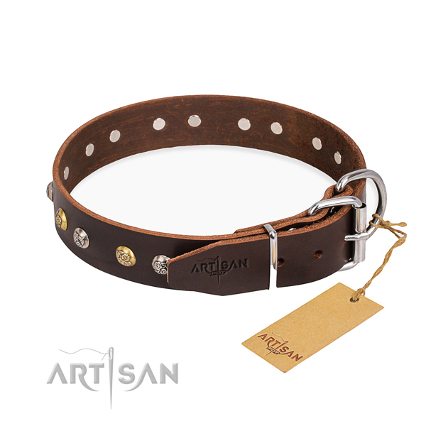 Top notch natural genuine leather dog collar crafted for handy use