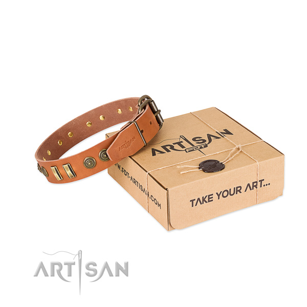 Rust-proof fittings on natural leather dog collar for your canine