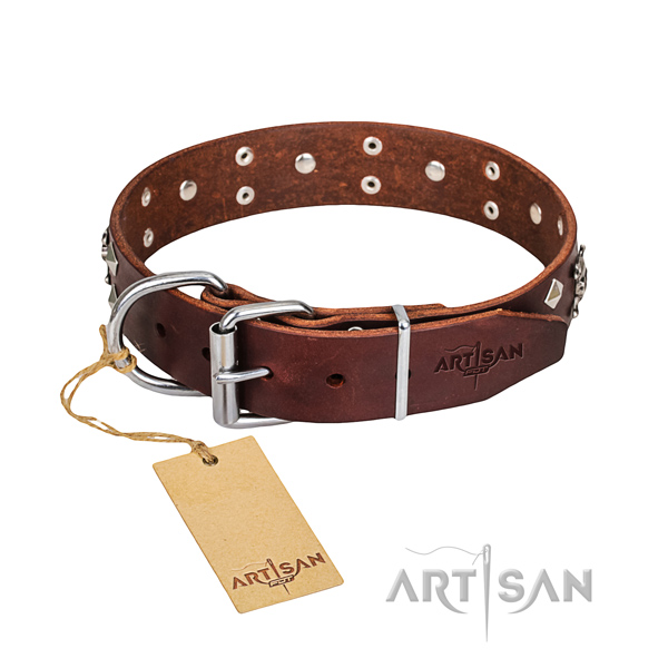 Reliable leather dog collar with non-corrosive hardware